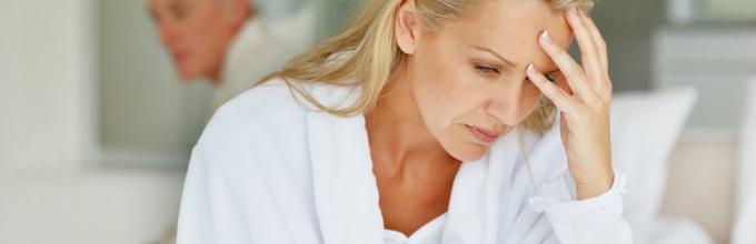 Симптомы боль в шее и под лопатку