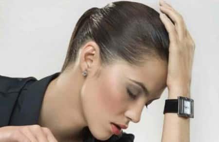 Какие симптомы могут сопровождать звон в ушах?
