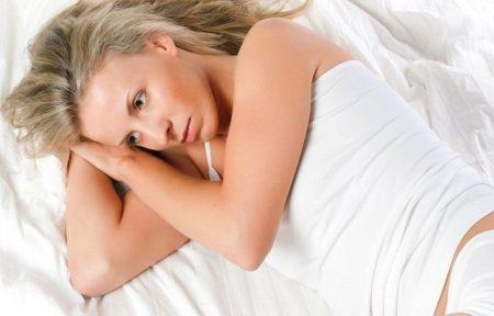 Почему болит голова перед месячними, при и после месячних: причини, лечение