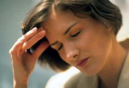 Ишемия сосудов головного мозга у взрослих: что ето такое, степени, симптоми и лечение болезни