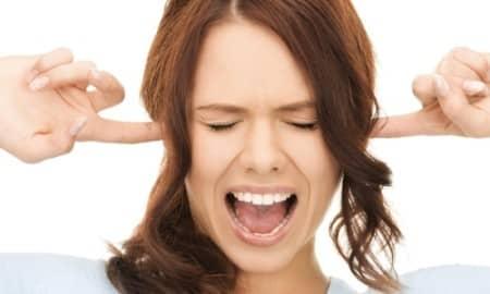 Почему возникает писк в ушах?